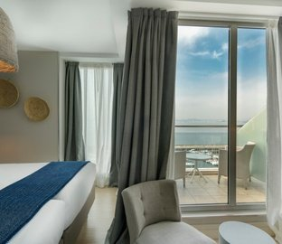 Executive room with terrace  VINCCI PUERTOCHICO Santander