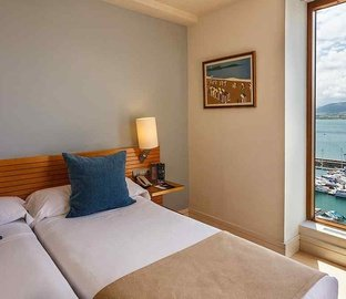 Sea view room  Vincci Puertochico Santander